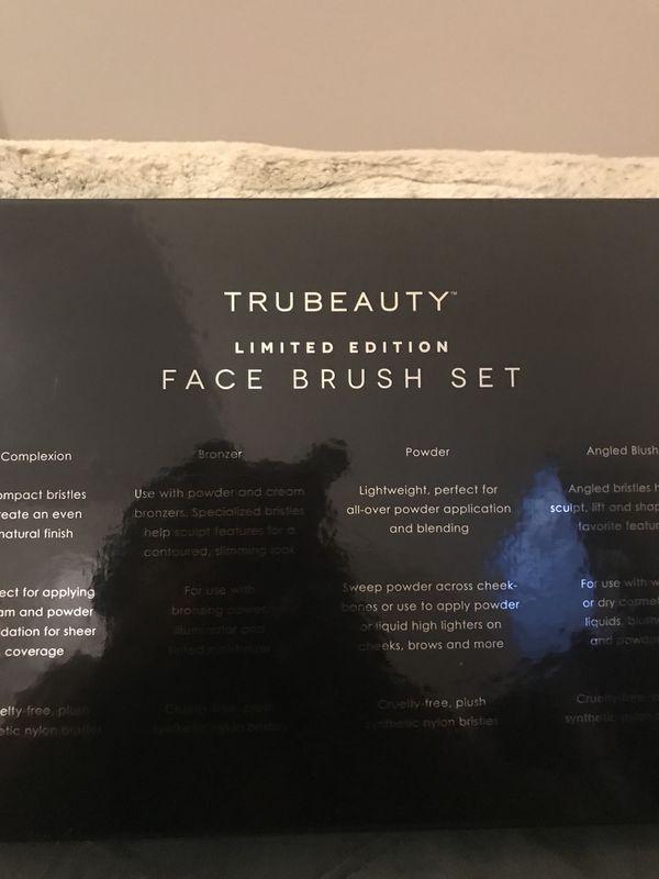 "🆕TruBeauty/Revolution London Makeup ""Face Brush Set&Ultra Cool Glow Palette 🎨"