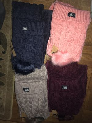 Hat and scarfs sets for Sale in Woodbridge Township, NJ