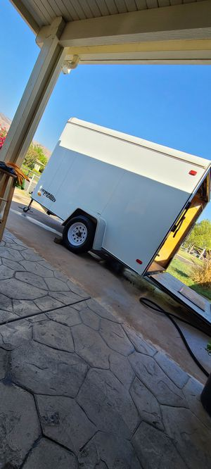 hiway enclosed trailer 6x10x6 for Sale in Highland, CA