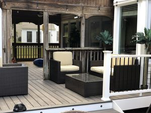 Patio furniture with table for Sale in Woodbridge, VA