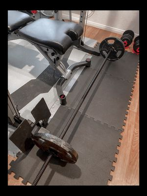 """Brand new standard rackable 72"""" 65 lb bar barbell weight plate set for Sale in Chula Vista, CA"""