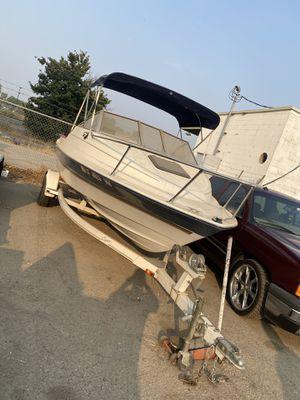 Boat Bayliner Carpi for Sale in Visalia, CA