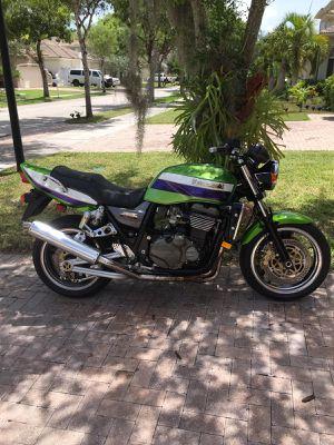 KAWASAKI ZRX 1200r 2.001 for Sale in Miami, FL