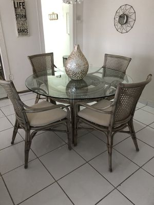 Dining Room Table, Off White Wicker for Sale in Miami, FL