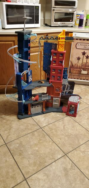 Marvel spiderman mega city playset 46in tall for Sale in Huntington, IN