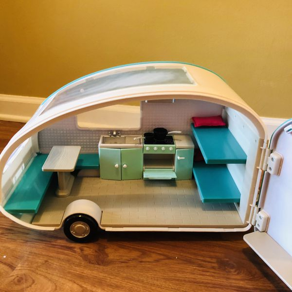 Lori Dolls Roller Glamper RV Camper and Car for 6-inch Mini Dolls - Working Light!