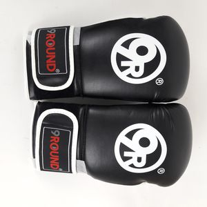 9 round 9round brand new boxing gloves for Sale in Jurupa Valley, CA