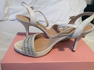 White pearly heels for Sale in Orlando, FL