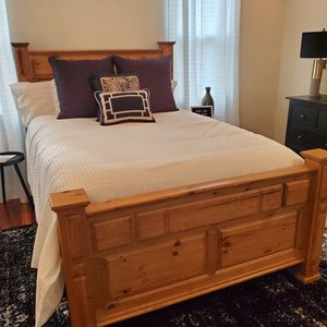 Solid Wood - Queen Bed Frame W/ Matching Night Stands for Sale in Chamblee, GA