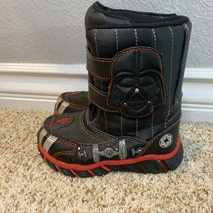 Star Wars/Darth Vader Toddler Snow Boots, size 7/8 for Sale in Las Vegas, NV
