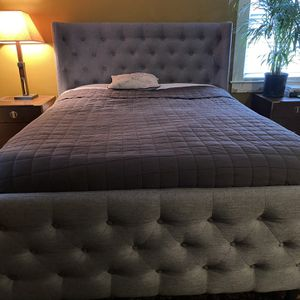 Grey Linen Tufted Queen Size Bed for Sale in White Plains, NY
