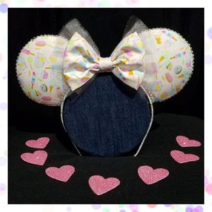 Sweet Treats Minnie Ears for Sale in Hialeah, FL