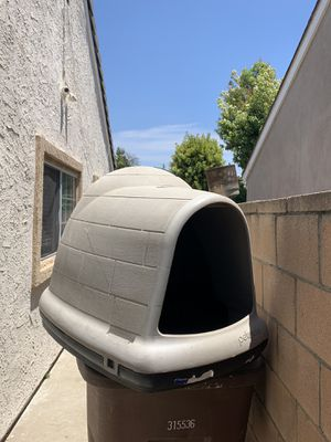DOG IGLOO house for Sale in Anaheim, CA