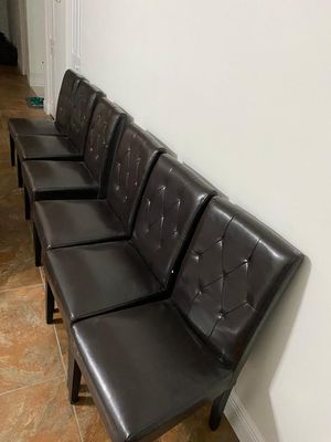 6 Leather dinning chairs for Sale in Miami, FL