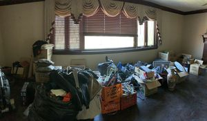 Large lot of men's clothing/ hats/ ties/ shoes/ pillows/ blankets for Sale in BETHEL PARK, PA
