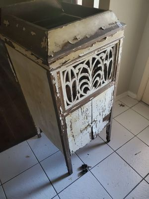 Antique victrola cabinet for Sale in Garland, TX