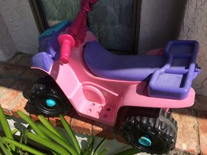 Electric toy car for part for Sale in Poway, CA