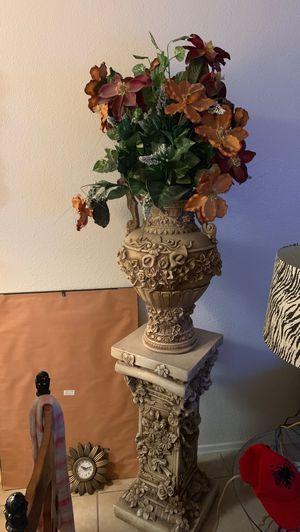 Flower vase & pedestal for Sale in Glendale, AZ