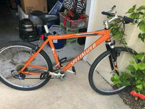 Rock hopper specialized mountain bike. In excellent condition for Sale in Riverview, FL