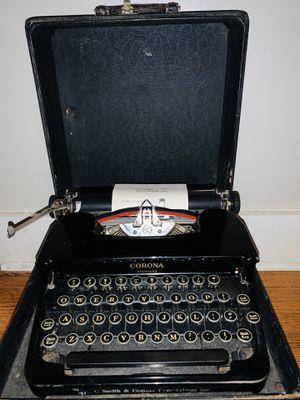 Vintage typewriter for Sale in Buckhannon, WV