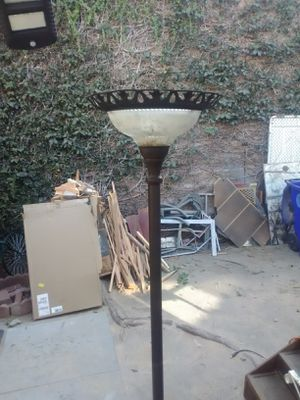 Floor lamp for Sale in Rancho Cucamonga, CA