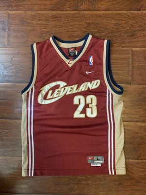 Vintage Nike Cleveland Cavs Jersey for Sale in Los Angeles, CA