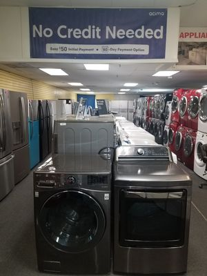 LG new scratch and dent front load washer and used electric dryer in excellen condition for Sale in Baltimore, MD