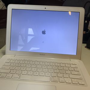 MacBook Year 2009 for Sale in The Bronx, NY