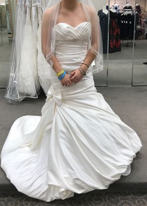 Size 4 Corset-Back Wedding Dress for Sale in Murfreesboro, TN
