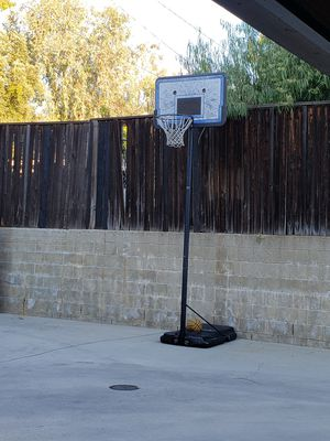 Basketball hoop-- Portable and adjustable for Sale in South Pasadena, CA
