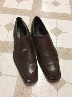 Beautiful pair of brown leather Bostonian shoes for Sale in Detroit, MI