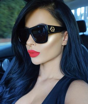 BEAUTIFUL SUNGLASSES FOR WOMAN for Sale in Los Angeles, CA
