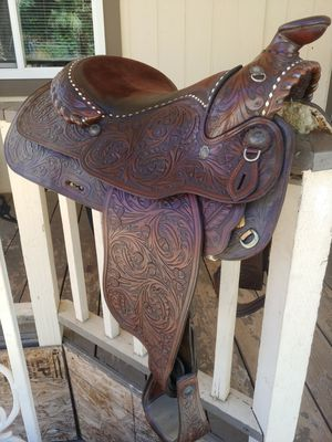 Circle Y Horse Saddle 16in silver pieces for Sale in Lake Elsinore, CA