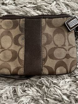 COACH Wristlet for Sale in Beaumont,  CA