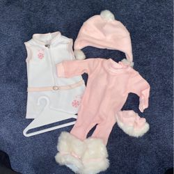 Snowy Chic American Girl Doll Outfit for Sale in Sutton,  MA