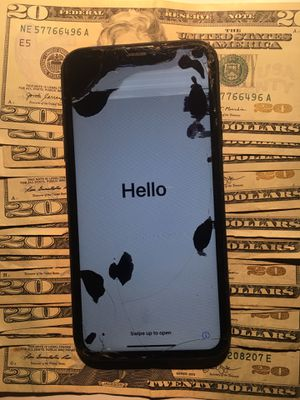 Cracked iPhone for Sale in Washington, DC