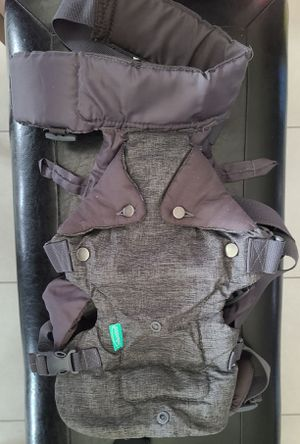 INFANTINO 4 IN 1 BABY CARRIER for Sale in Arlington, TX