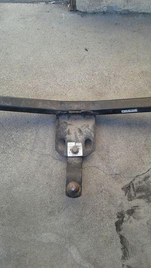 Trailer hitch by reese # 89063 car small truck suv mini vans 4ft wide see pictures for Sale in Long Beach, CA