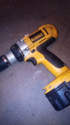 DeWalt xrp 14.4 volt drill with charger for Sale in Fresno, CA