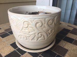 Cream color ceramic plant pot for Sale in Richardson, TX