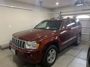2007 Jeep Grand Cherokee-$6,800 for Sale in Fresno, CA