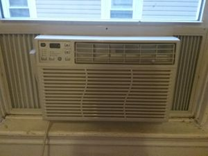 GE Window AC Unit 8000 but, with remote for Sale in Cambridge, MA