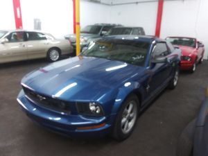 2007 Ford Mustang Deluxe for Sale in Miami, FL