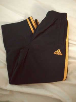 Adidas joggers 5t for Sale in Coldwater, MI