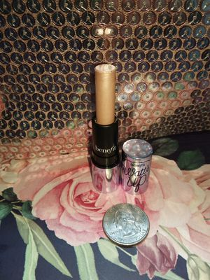 BENEFIT WHATS UP TWIST UP HIGHLIGHTER for Sale in Tulalip, WA