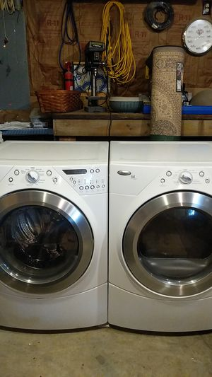 Whirlpool Duet Steam Front Load Washer and Dryer for Sale in De Kalb, MO