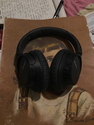Sony wHCH-700N Bluetooth headphones with noise canceling for Sale in Mesa, AZ
