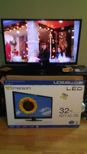 32 inch tv for Sale in Pawtucket, RI