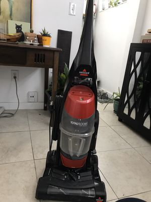 Bissell Vacuum $30 for Sale in Miami, FL