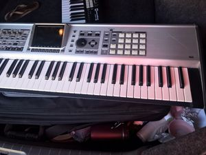 Roland. Fantom x7 for Sale in Stanton, CA
